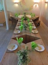 Et dækket bord